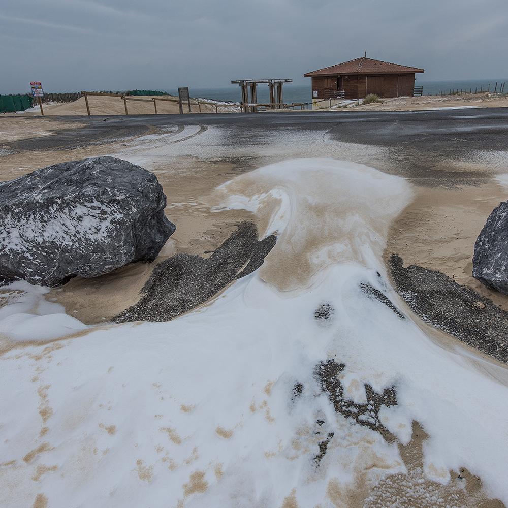 CONTIS - Accès plage sous la neige