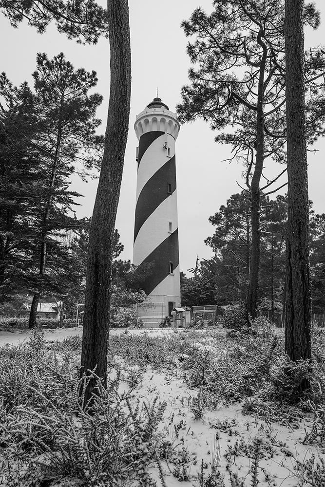 CONTIS - Le phare sous la neige