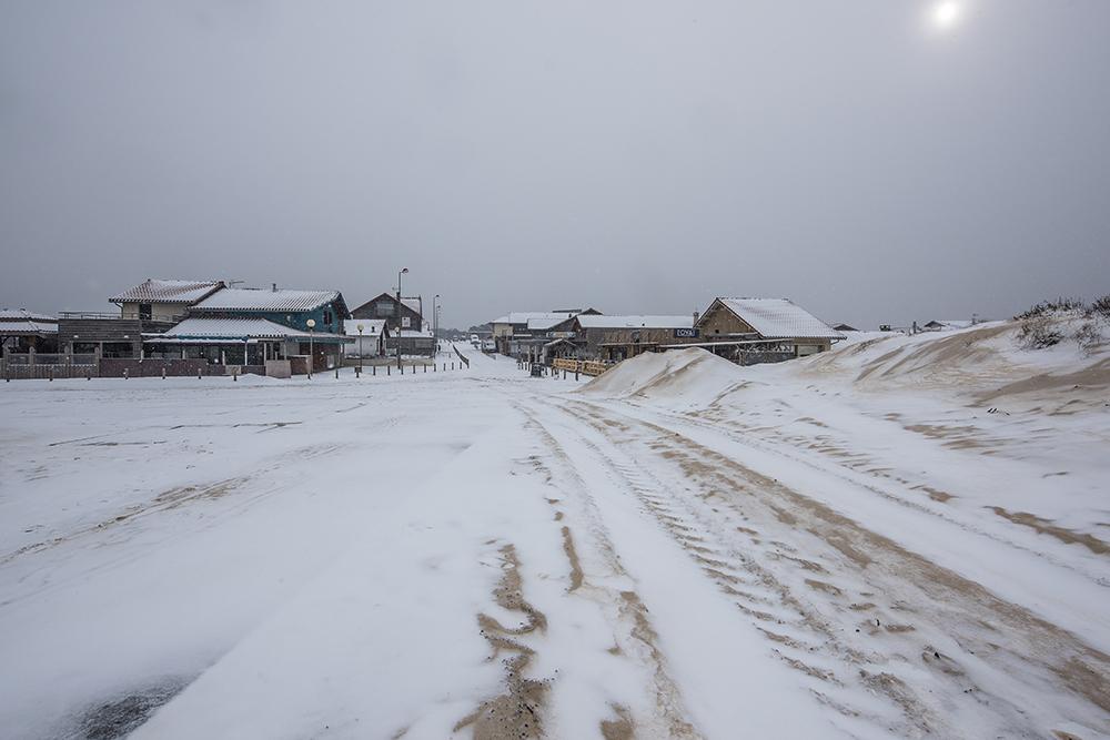 CONTIS - rue principale sous la neige