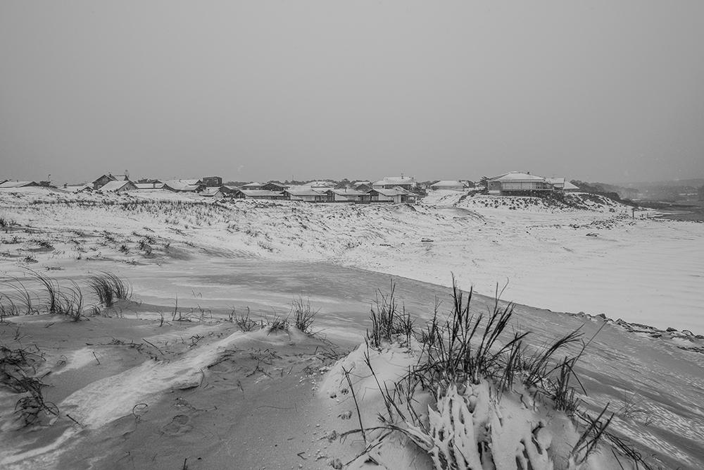 CONTIS - plage du courant sous la neige
